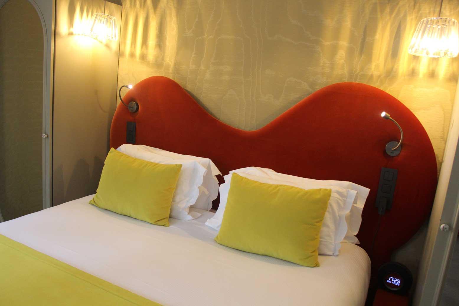 O dormir paris avec un chien h tel monsieur jamais for Hotels qui acceptent les chiens