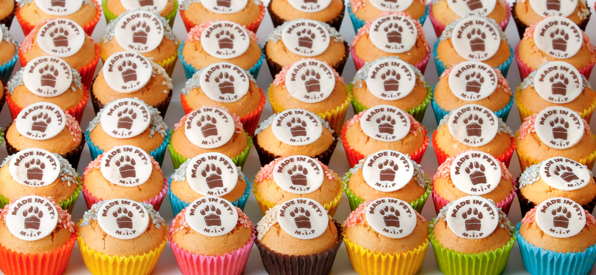 made-in-pet-cupcakes-2