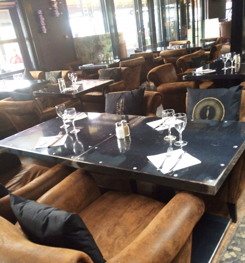 un restaurant rouen qui accepte les chiens le mar graphe par odile et isa jamais sans. Black Bedroom Furniture Sets. Home Design Ideas