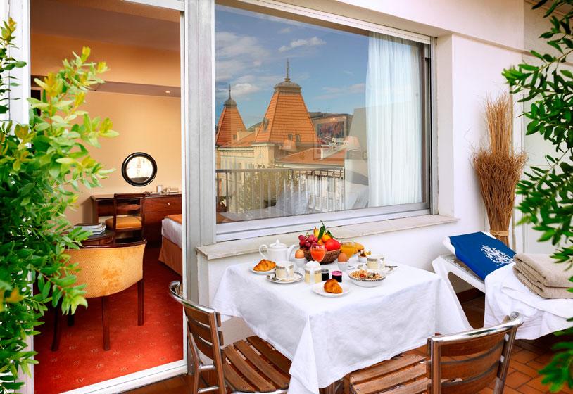Splendid-Hotel-Nice-chien