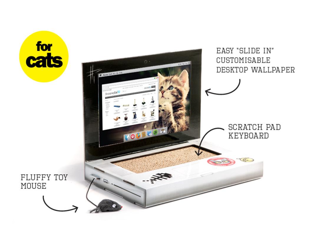 id e cadeau insolite un griffoir pour chat ordinateur. Black Bedroom Furniture Sets. Home Design Ideas