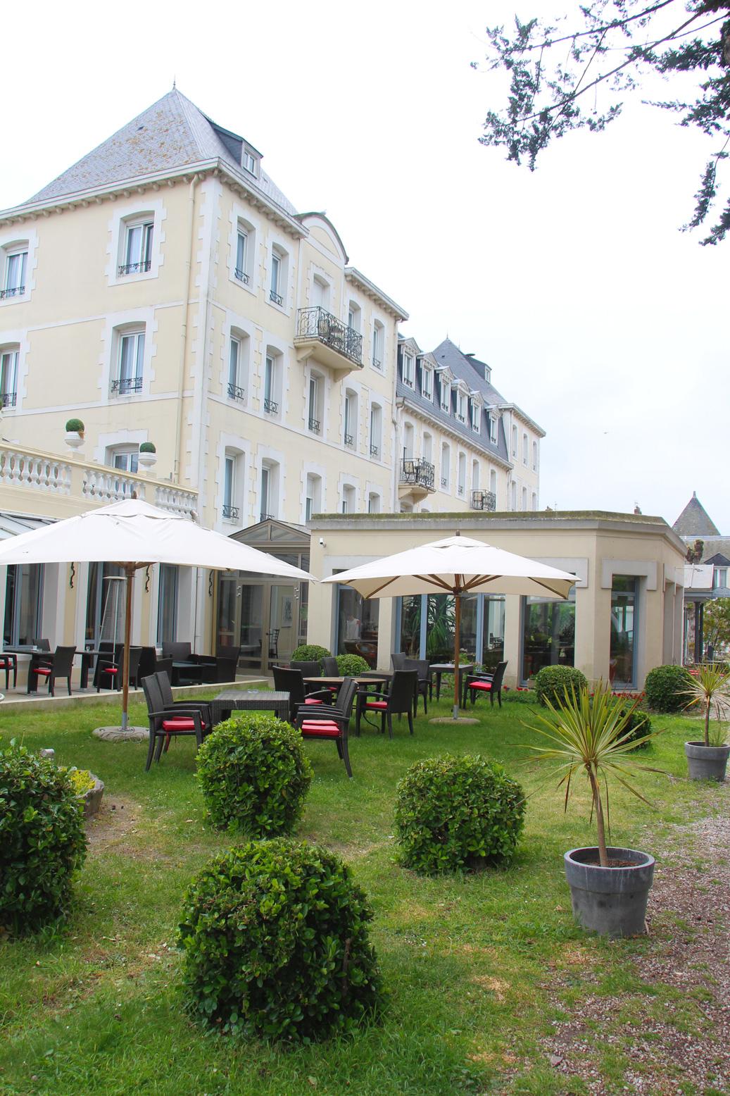 hotel saint-malo qui avec chien - pet friendly hotel qui accepte les chiens et animaux Grand Hotel Courtoisville